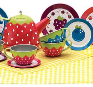 Tin tea set promotes imaginative play