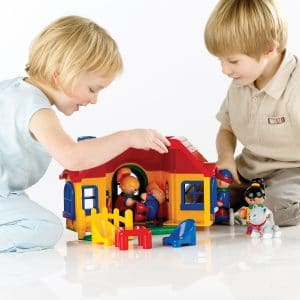 portable house for play figures