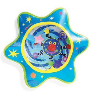 Water mat for infant sensory play