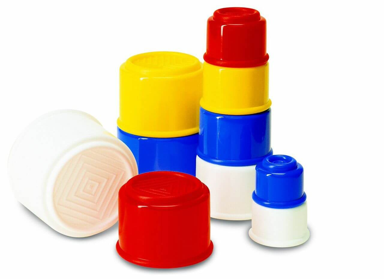 red, white, blue, yellow nesting cups