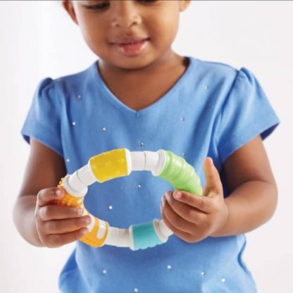 Tactile magnetic building curved rods and balls